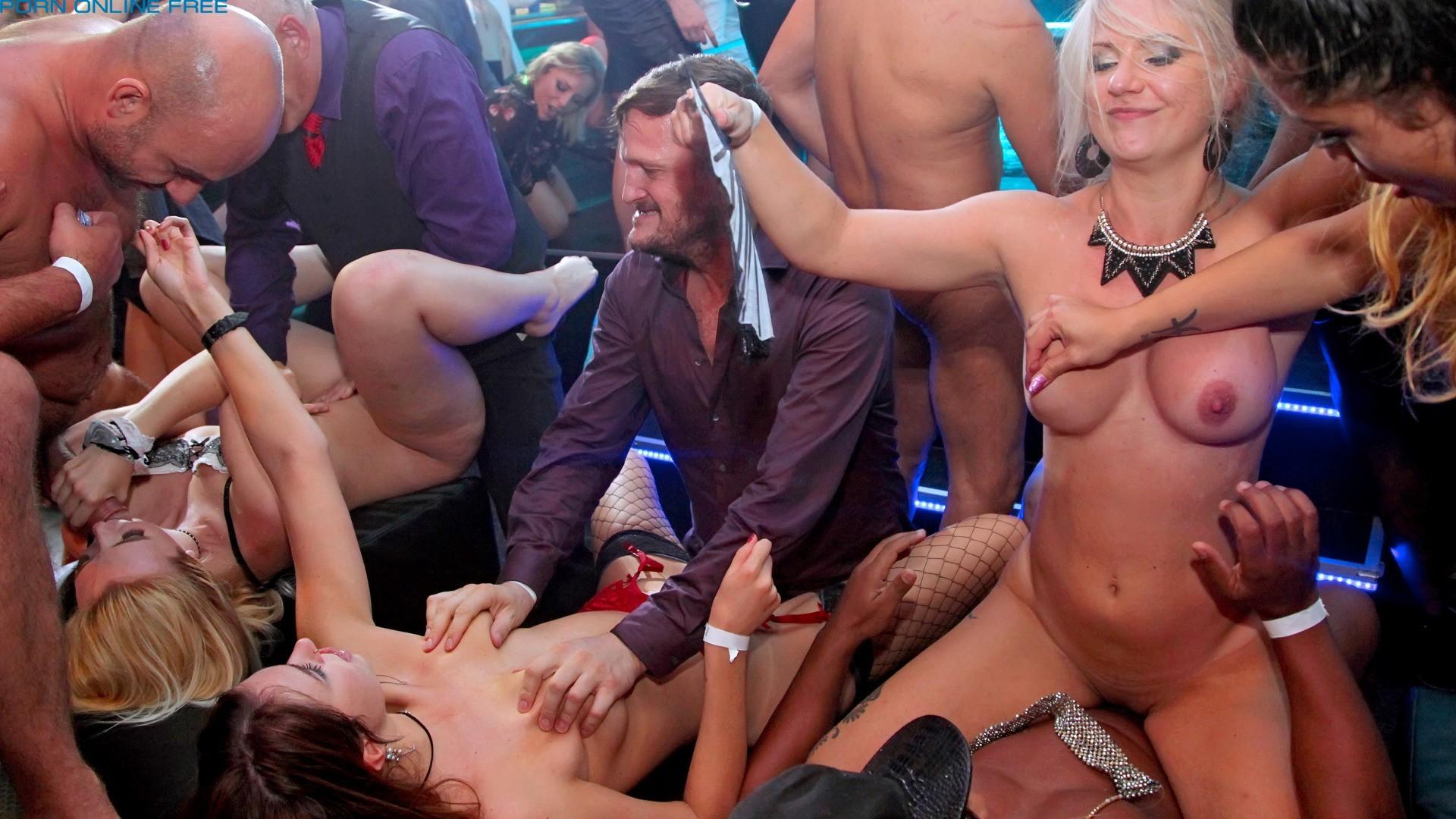 Смотреть порно в баре hd кто