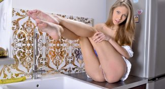 Abby in Try hard Wetandpissy 2012 Abby Fingering Pussy, Blonde